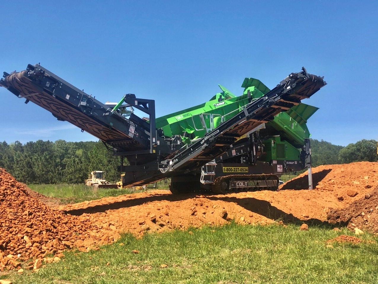 Colt 1600 Screening Clay Soil Mix At 2 Usa  2020 8 1